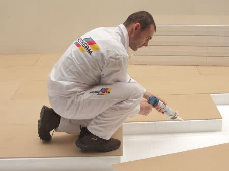 Płyty typu dach/podłoga, na trwałe pokryte MDF od strony zewnętrznej