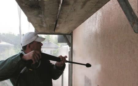 Mycie starych ścian
