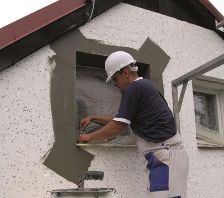 Ocieplenie ścian styropianem - krok 7) Obróbka narożników okiennych
