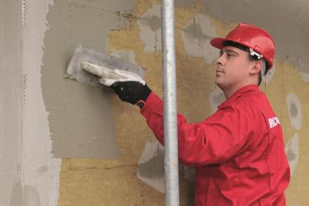 Ocieplenie ścian wełną mineralną - krok 7) Nakładanie zaprawy zbrojącej