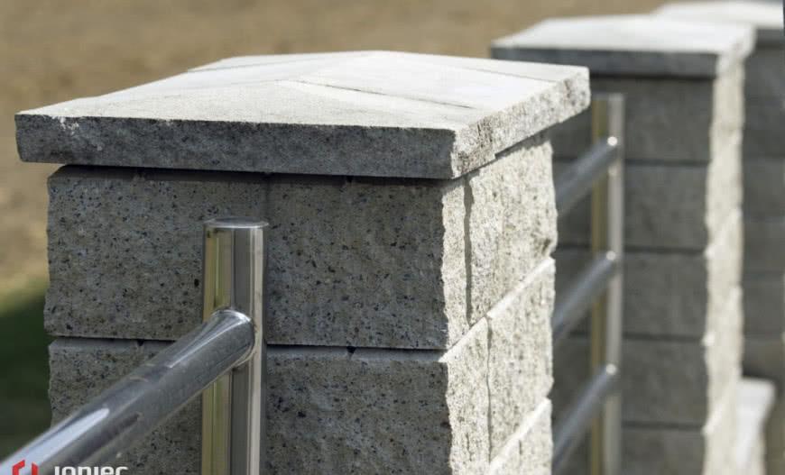 Modernistyczne Montaż daszków ogrodzeniowych DL95