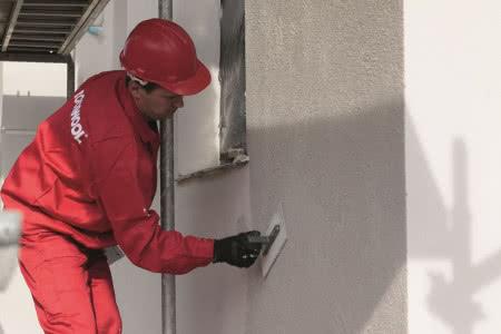Ocieplenie ścian wełną mineralną - krok 10) Tynkowanie