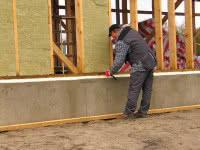 Ocieplanie ścian zewnętrznych wykonanych w technologii szkieletowej Ocieplanie ścian zewnętrznych wykonanych w technologii szkieletowej
