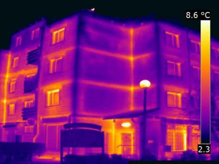 Przykład badania termowizyjnego w budynku wielorodzinnym