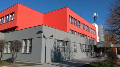 Zespół Szkół Ogólnokształcących im. Armii Krajowej w Bielsku-Białej - zastosowany system: StoVentec R