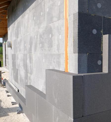 Ocieplenie ścian zewnętrznych budynku w standardzie pasywnym, fot. Andrzej Papliński