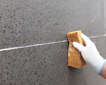 Łatwe czyszczenie paneli kwarcowych Greinplastu.