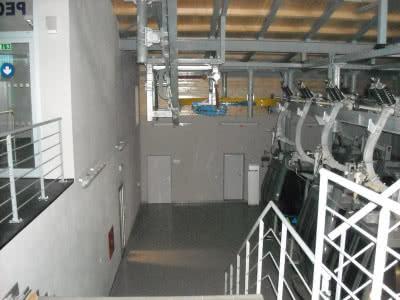 Ściany działowe, poprzeczki i sufity wykonano z płyt gipsowo-włóknowych Fermacell o grubości 12,5 mm.